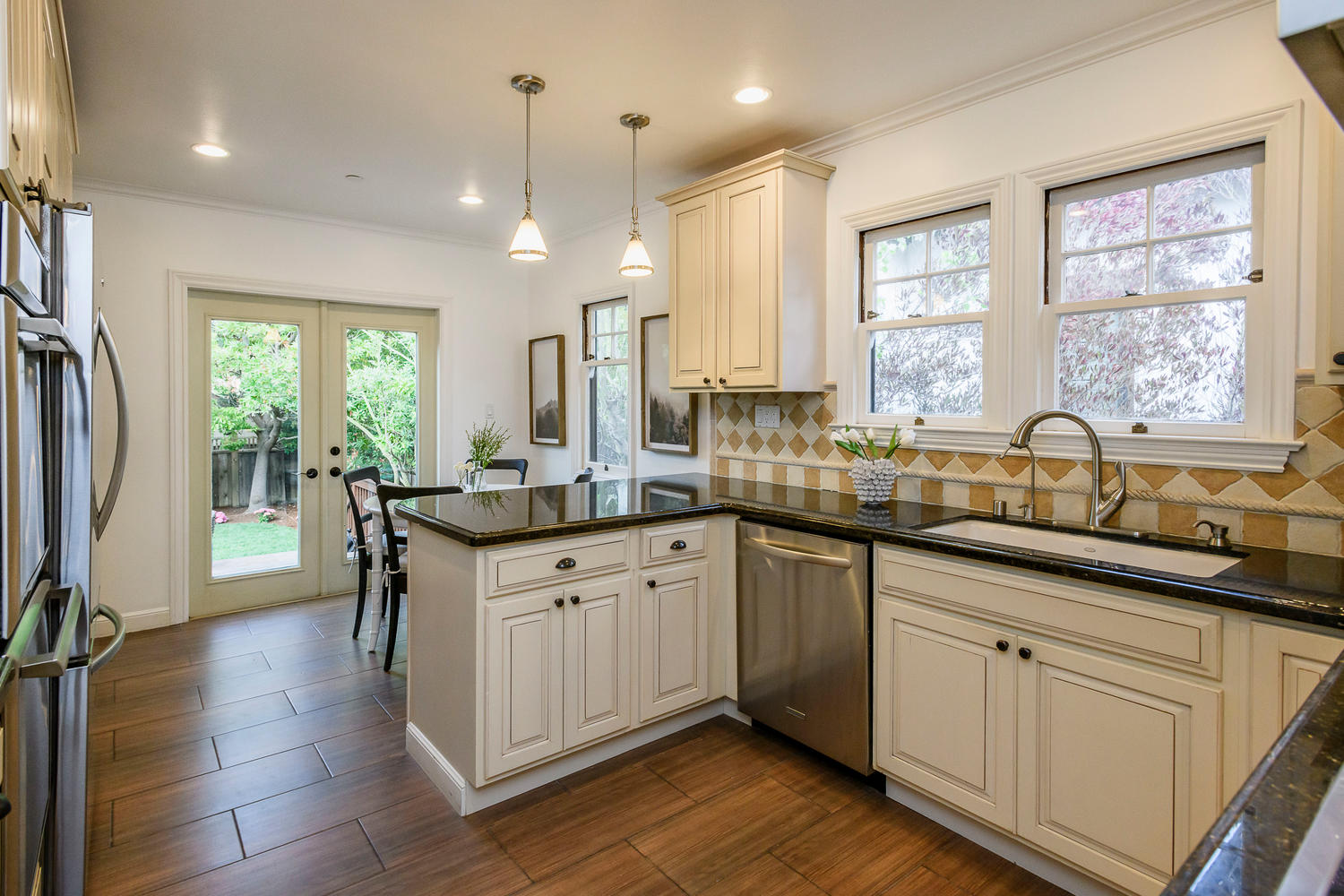 1432 Vancouver Ave Burlingame-large-008-22-Kitchen-1500×1000-72dpi